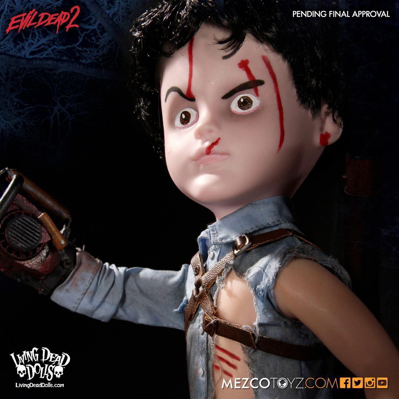 Living-Dead-Dolls-Presents-Evil-Dead-2-Ash-02