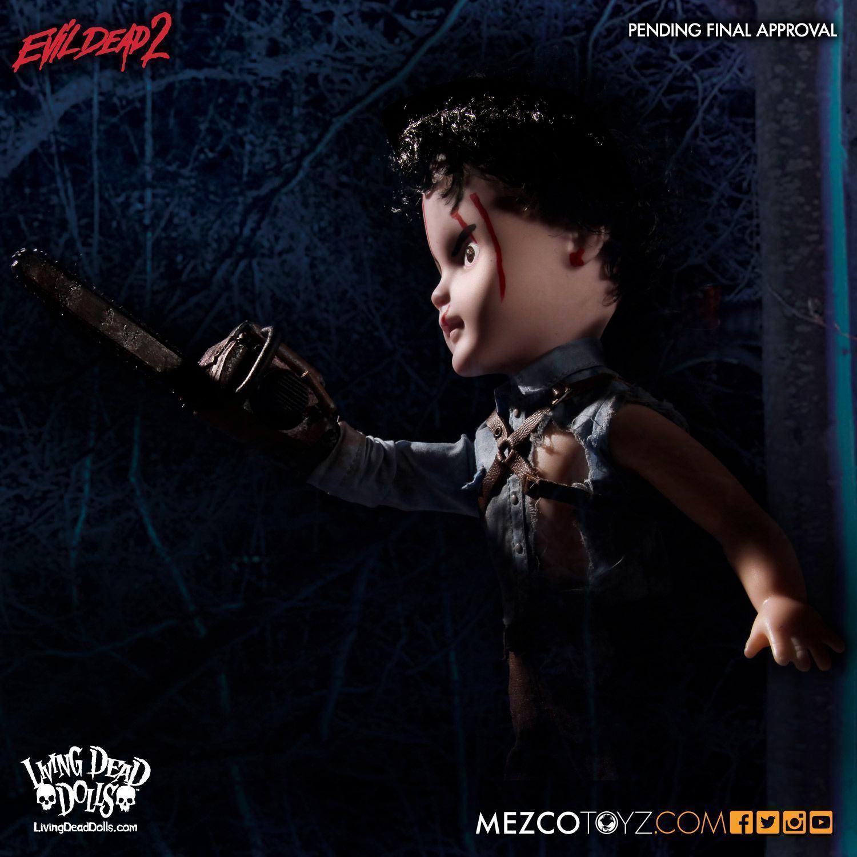 Living-Dead-Dolls-Presents-Evil-Dead-2-Ash-05