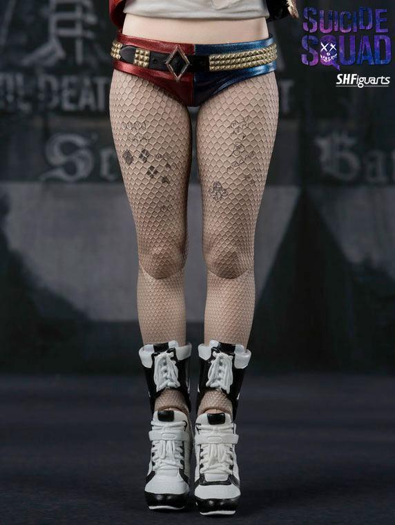 SH-Figuarts-Harley-Quinn-Suicide-Squad-Movie-Figure-09