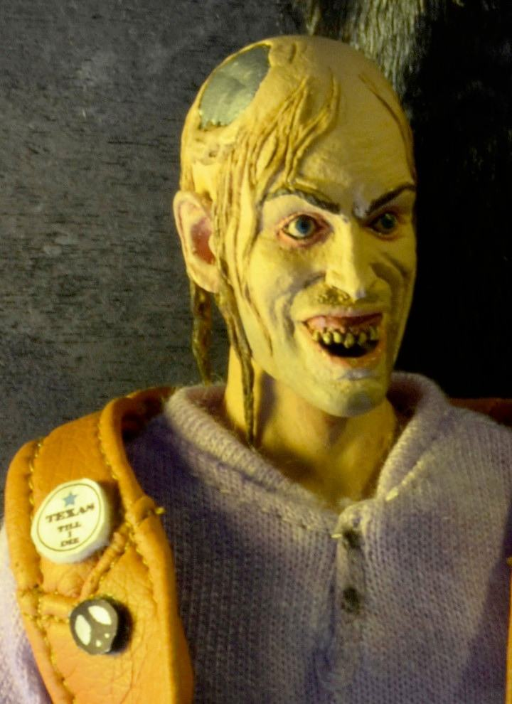 Texas-Chainsaw-Massacre-2-Chop-Top--8-Inch-Clothed-Retro-Action-Figure-02