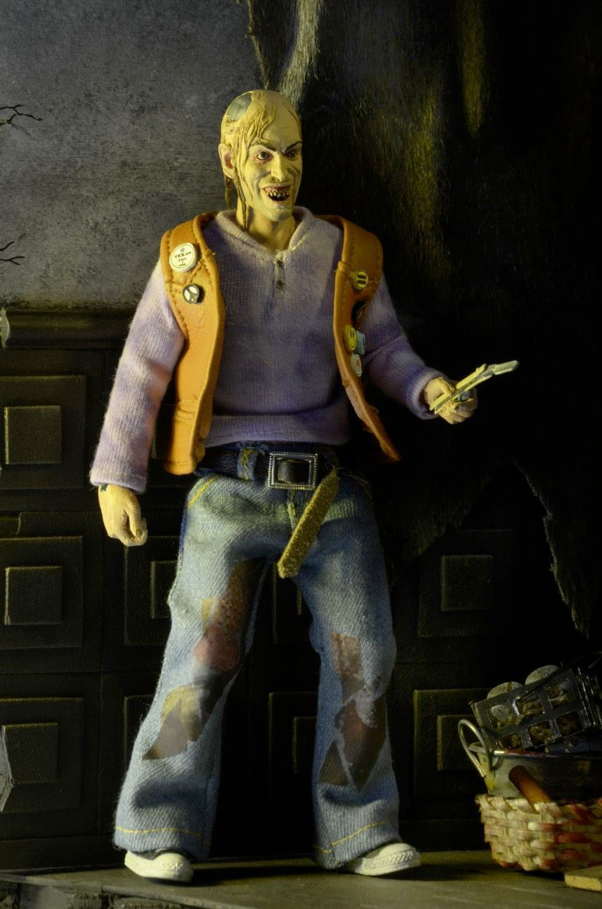 Texas-Chainsaw-Massacre-2-Chop-Top--8-Inch-Clothed-Retro-Action-Figure-03