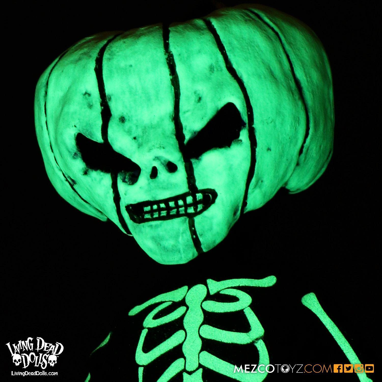 Living-Dead-Dolls-Halloween-2016-Jack-O-Lantern-04