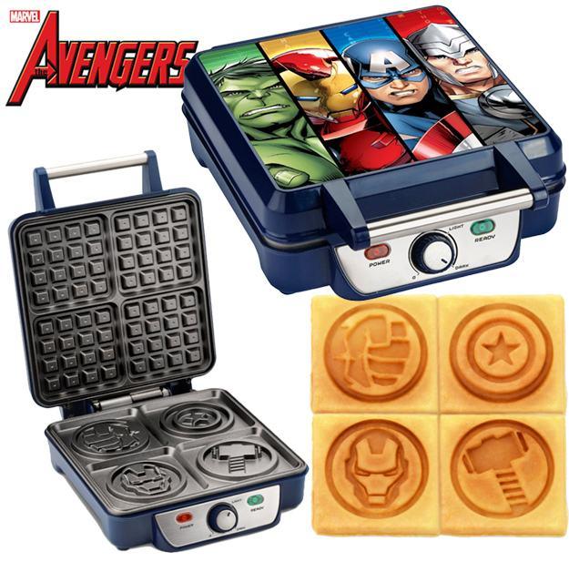 Marvel-MVA-281-Avengers-Waffle-Maker-01