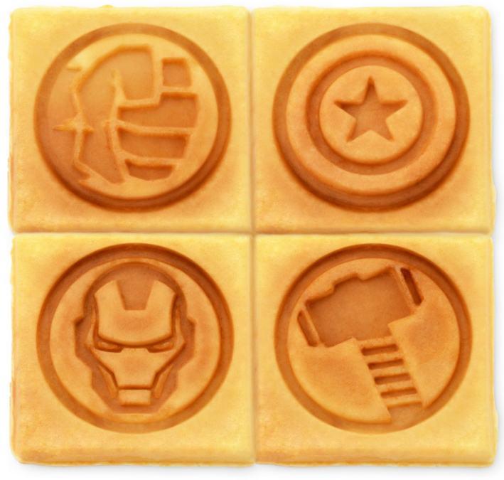 Marvel-MVA-281-Avengers-Waffle-Maker-02