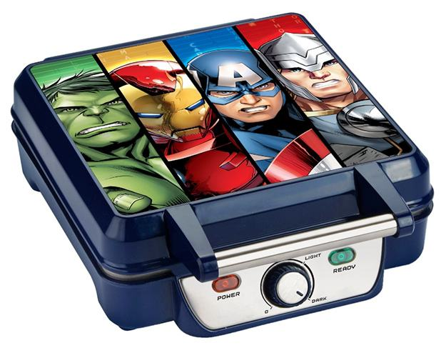 Marvel-MVA-281-Avengers-Waffle-Maker-06