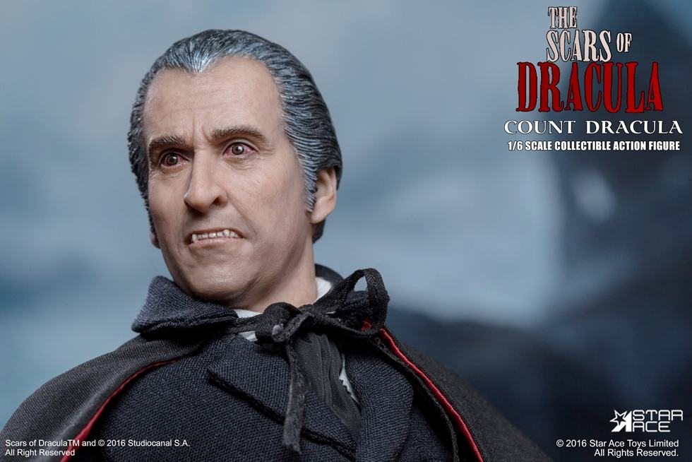 christopher-lee-as-count-dracula-12-inch-figure-02