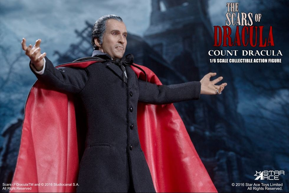 christopher-lee-as-count-dracula-12-inch-figure-03