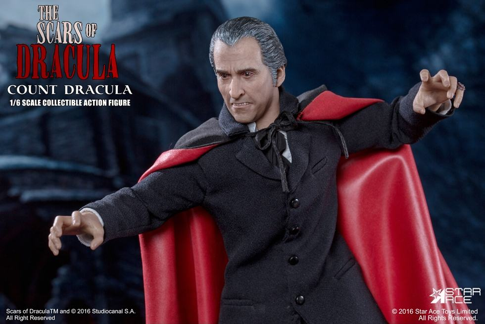 christopher-lee-as-count-dracula-12-inch-figure-06