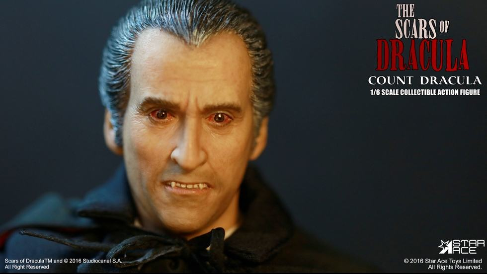 christopher-lee-as-count-dracula-12-inch-figure-07