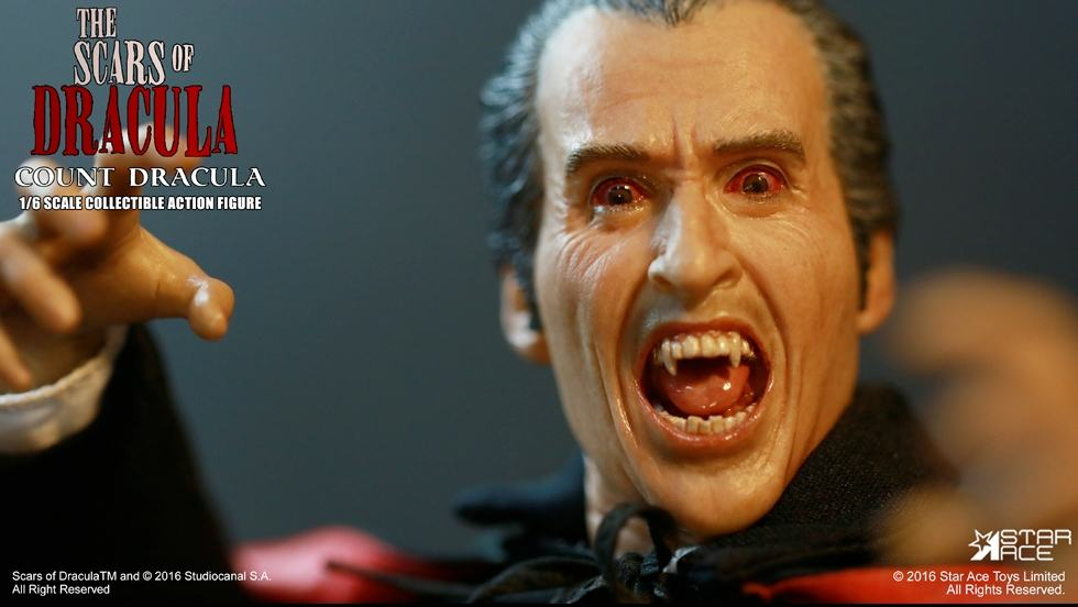 christopher-lee-as-count-dracula-12-inch-figure-08