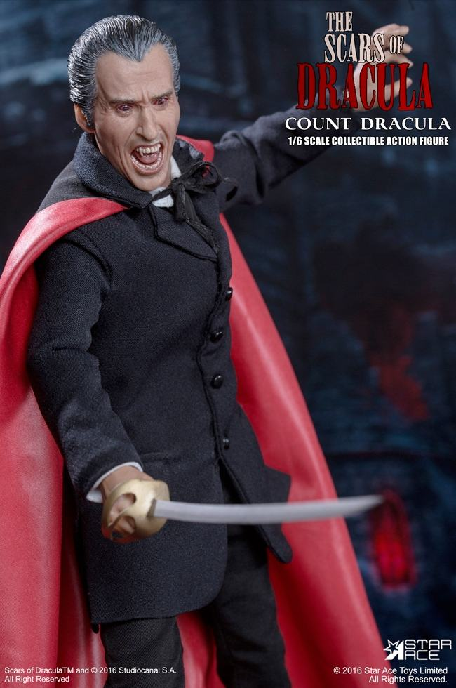 christopher-lee-as-count-dracula-12-inch-figure-09