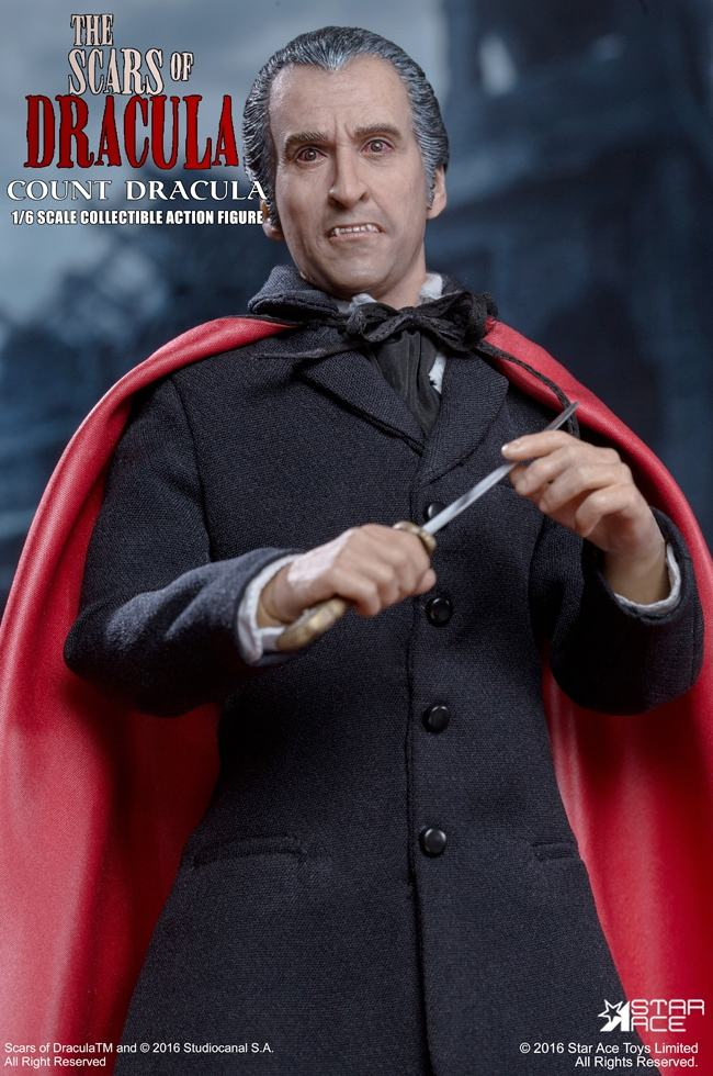 christopher-lee-as-count-dracula-12-inch-figure-11
