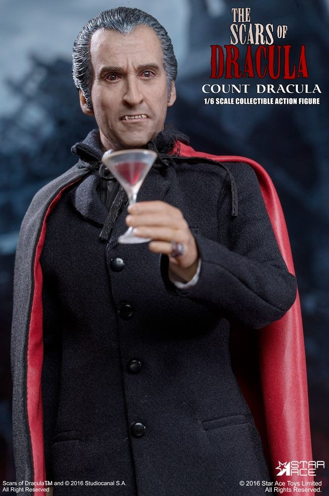 christopher-lee-as-count-dracula-12-inch-figure-13