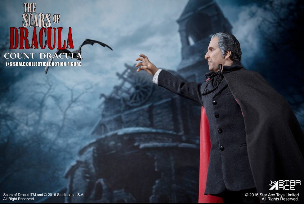 christopher-lee-as-count-dracula-12-inch-figure-15
