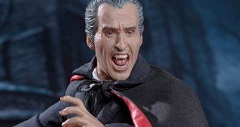 "Sir Christopher Lee como Conde Dracula em ""Scars of Dracula"" – Action Figure Perfeita 1:6 Star Ace"
