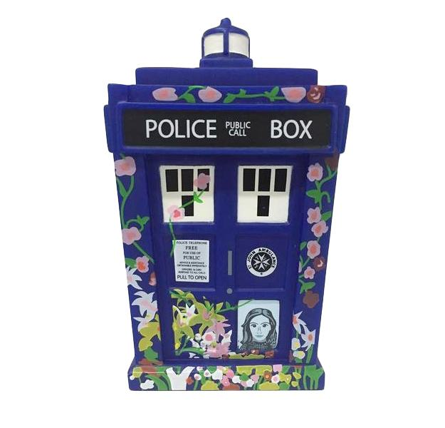 tardis-clara-tribute-titans-mini-03