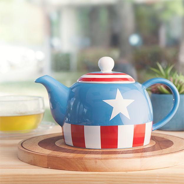 bule-captain-america-teapot-02