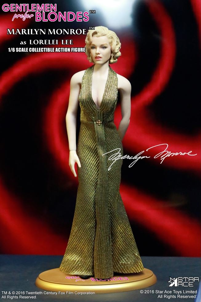 action-figure-marilyn-monroe-gold-dress-02
