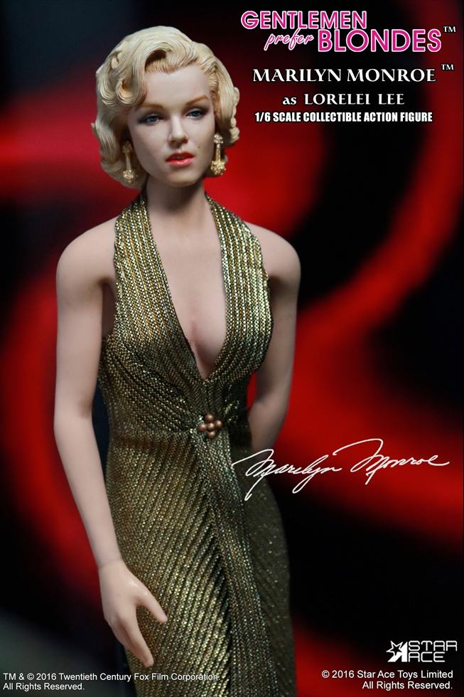 action-figure-marilyn-monroe-gold-dress-04