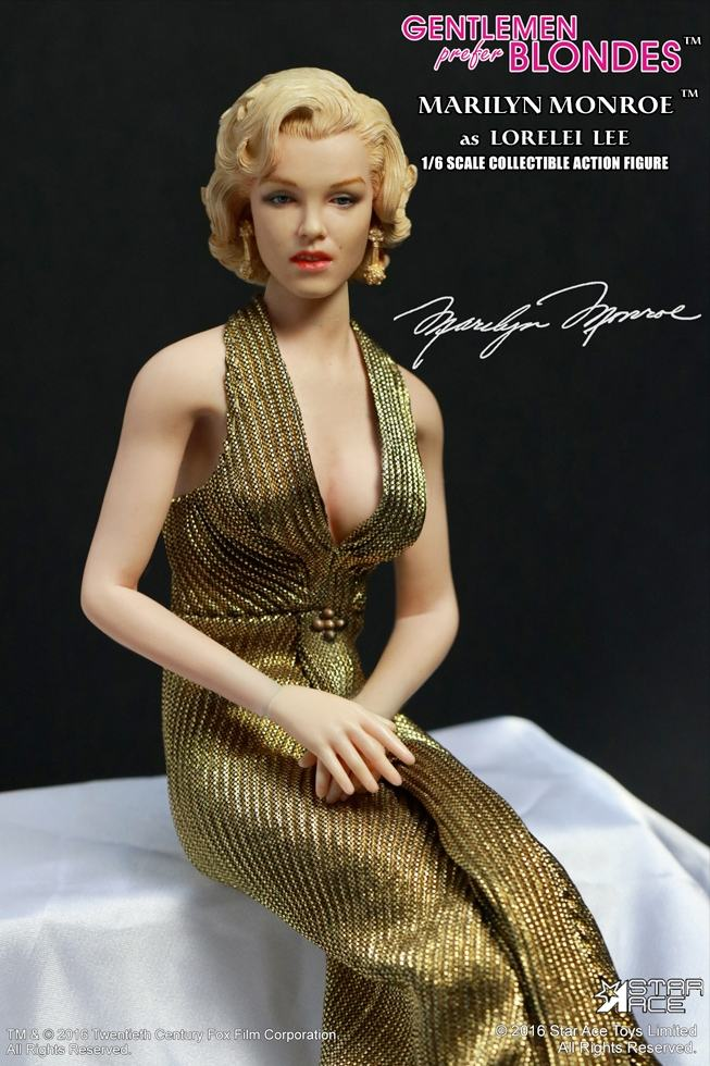 action-figure-marilyn-monroe-gold-dress-05