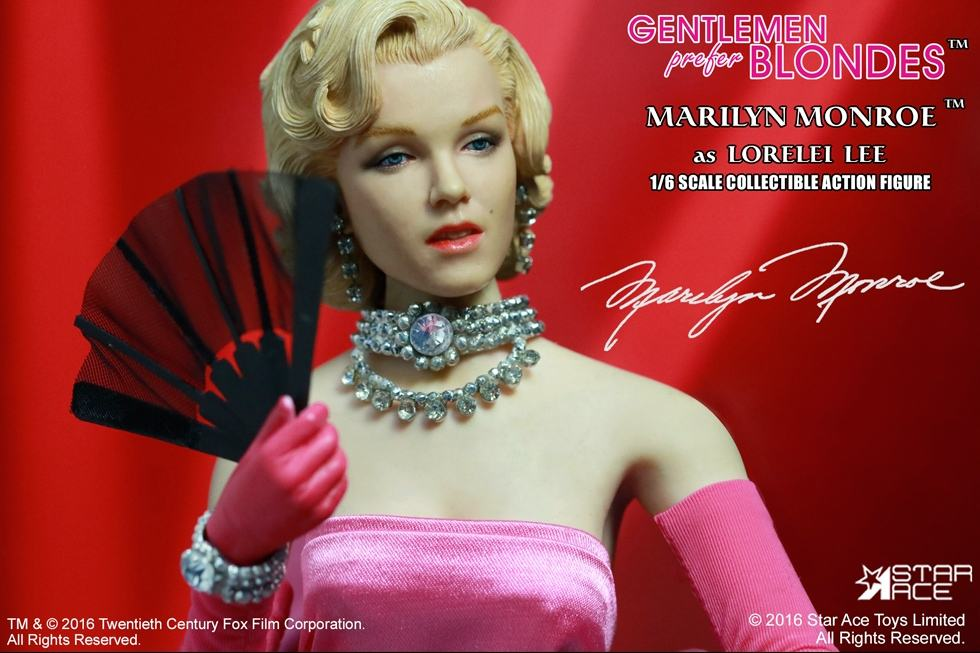 action-figure-marilyn-monroe-pink-dress-05