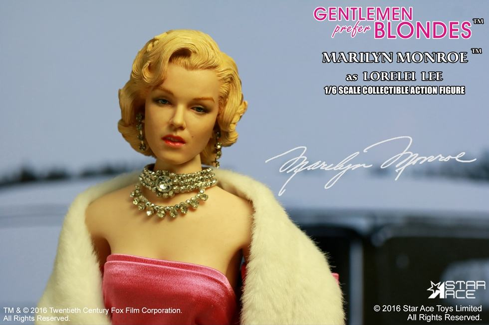 action-figure-marilyn-monroe-pink-dress-06