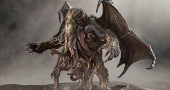 Estátua Cthulhu H. P. Lovecraft por Paul Komoda