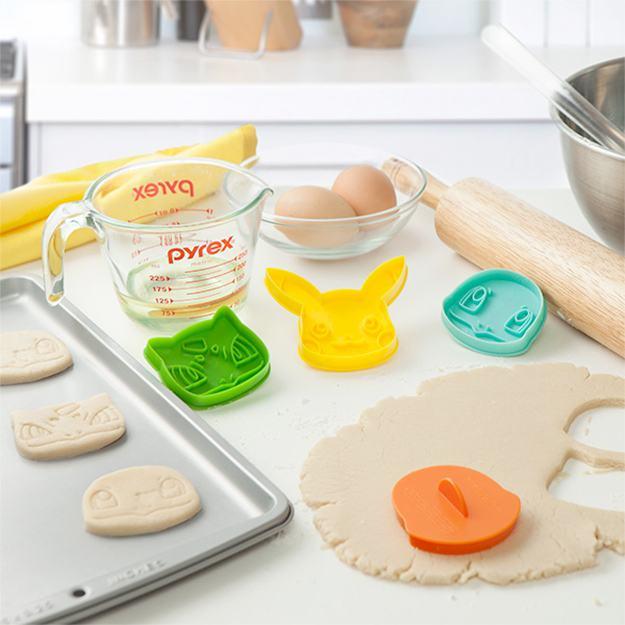 pokemon-cookie-cutter-starter-set-04