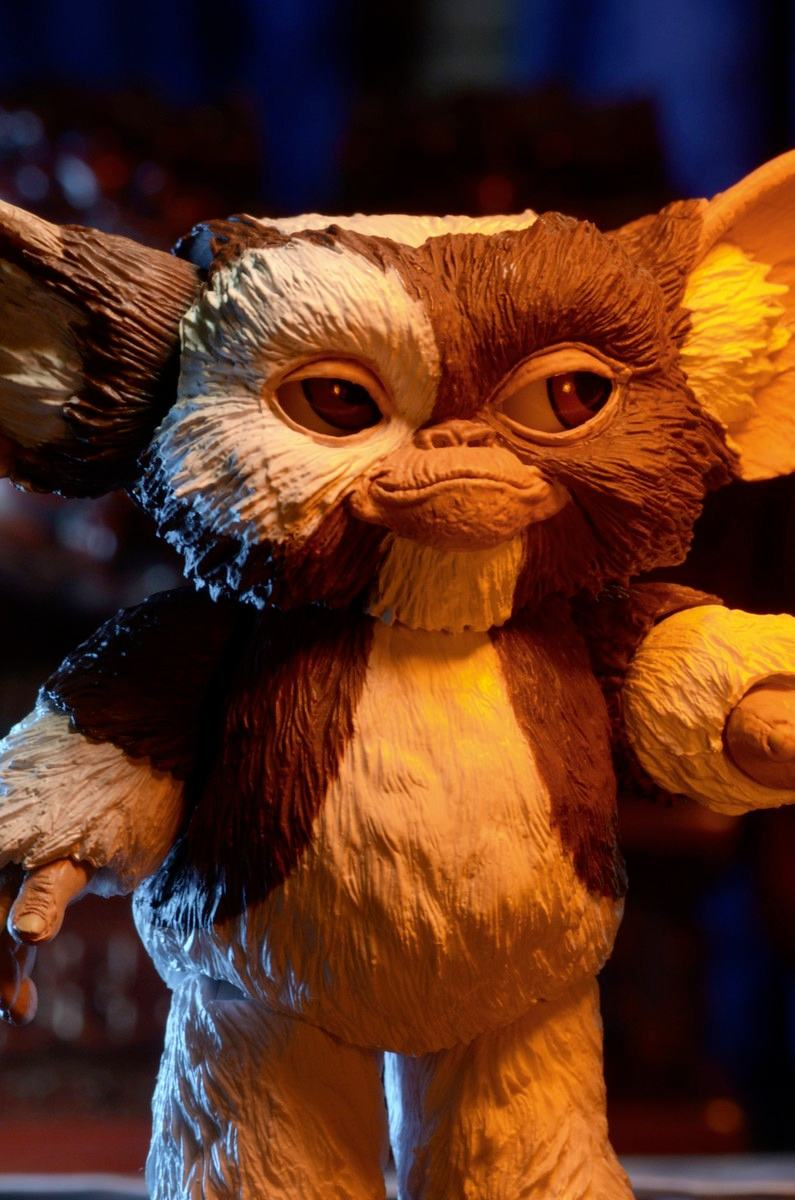 ultimate-gizmo-gremlins-action-figure-neca-02