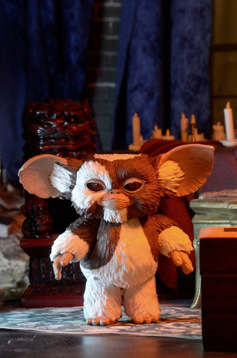 ultimate-gizmo-gremlins-action-figure-neca-04