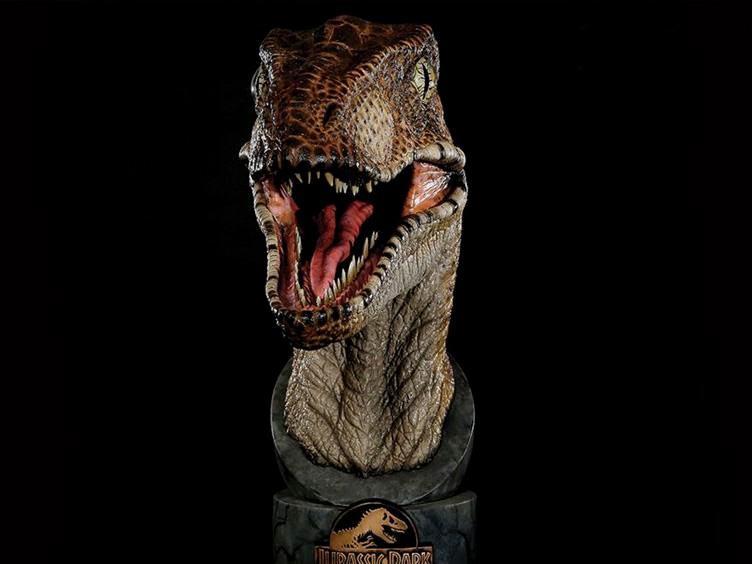 busto-jurassic-park-1-1-scale-velociraptor-bust-02