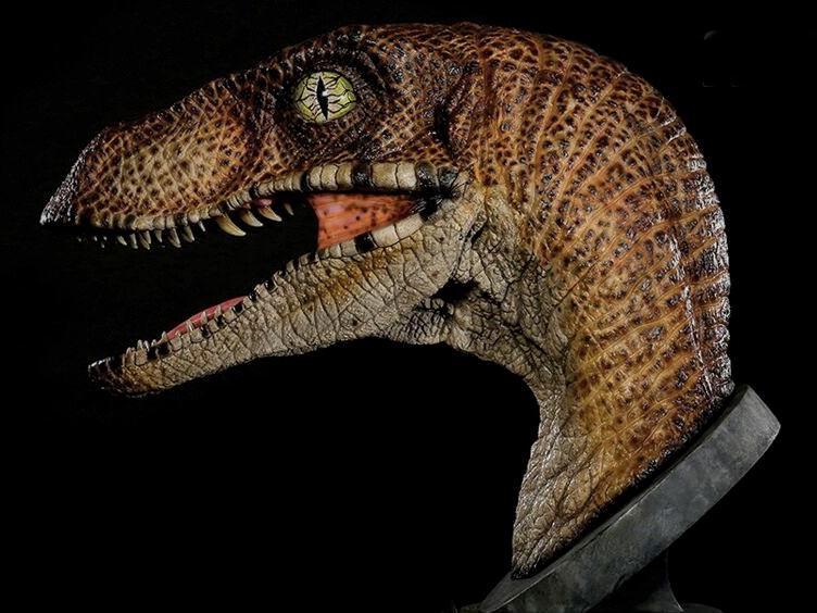 busto-jurassic-park-1-1-scale-velociraptor-bust-03