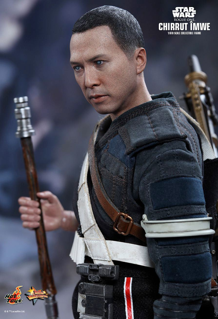 chirrut-imwe-action-figure-hot-toys-star-wars-rogue-one-08