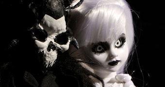Living Dead Dolls Scary Tales: A Bela e a Fera!