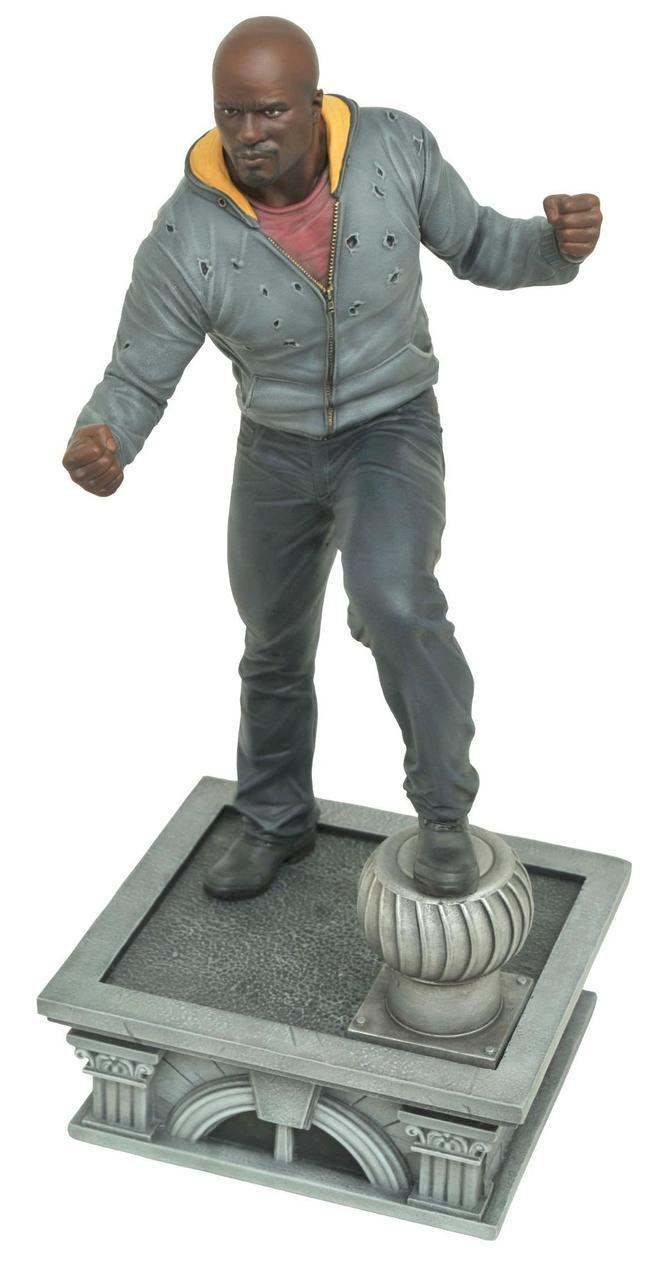 marvel-netflix-gallery-luke-cage-pvc-figure-03