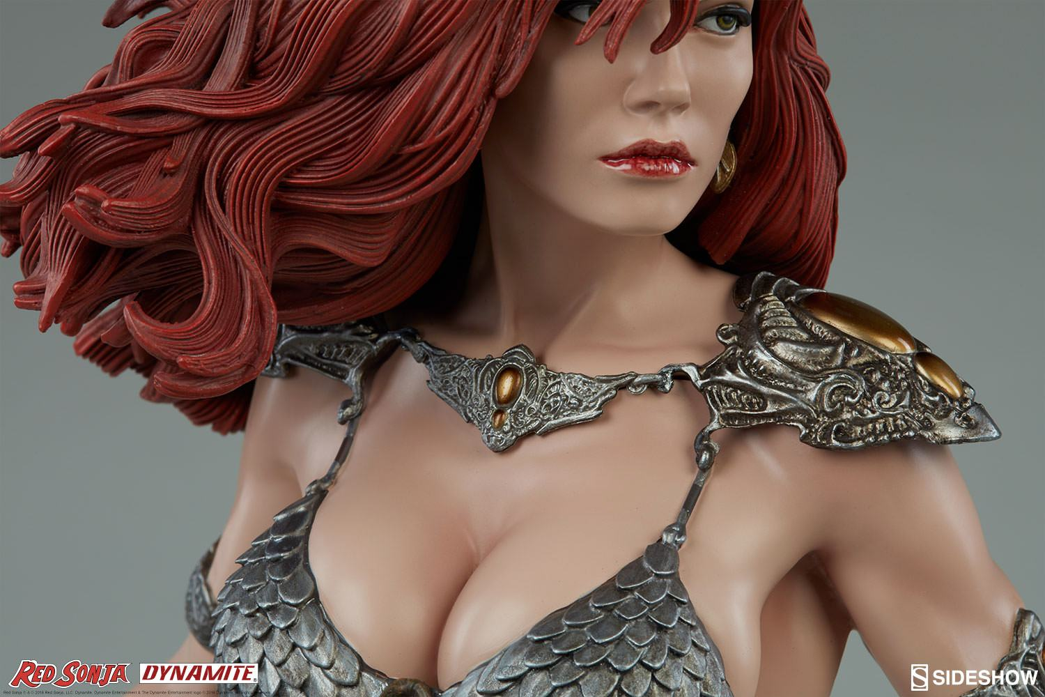 red-sonja-she-devil-with-a-sword-premium-format-figure-09