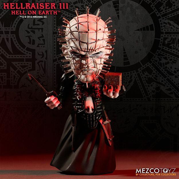 Hellraiser-Pinhead-Deluxe-Stylized-Vinyl-Figure-01