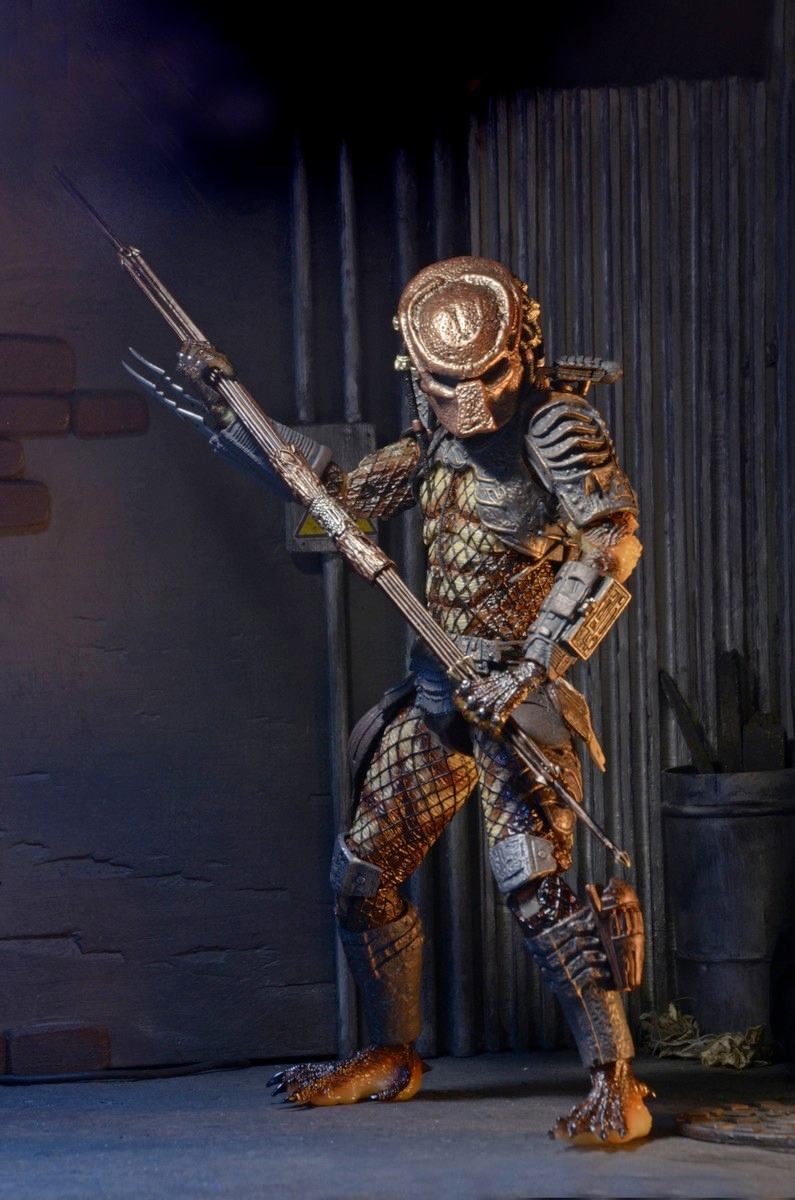 Action-Figure-Predator-Neca-Ultimate-City-Hunter-02