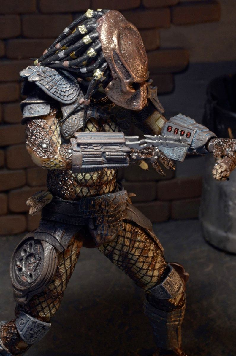 Action-Figure-Predator-Neca-Ultimate-City-Hunter-03