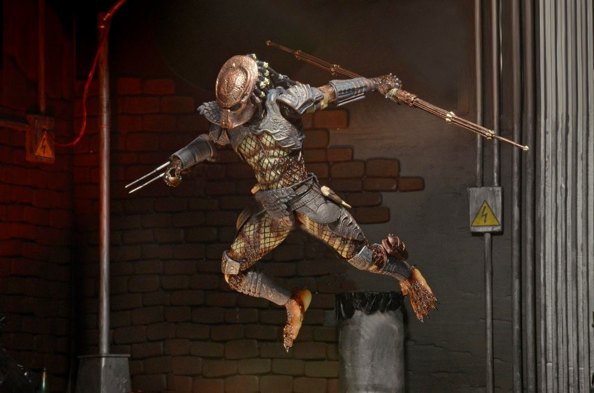 Action-Figure-Predator-Neca-Ultimate-City-Hunter-04