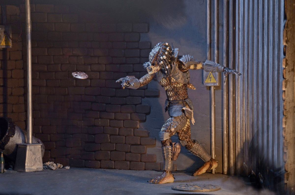 Action-Figure-Predator-Neca-Ultimate-City-Hunter-06