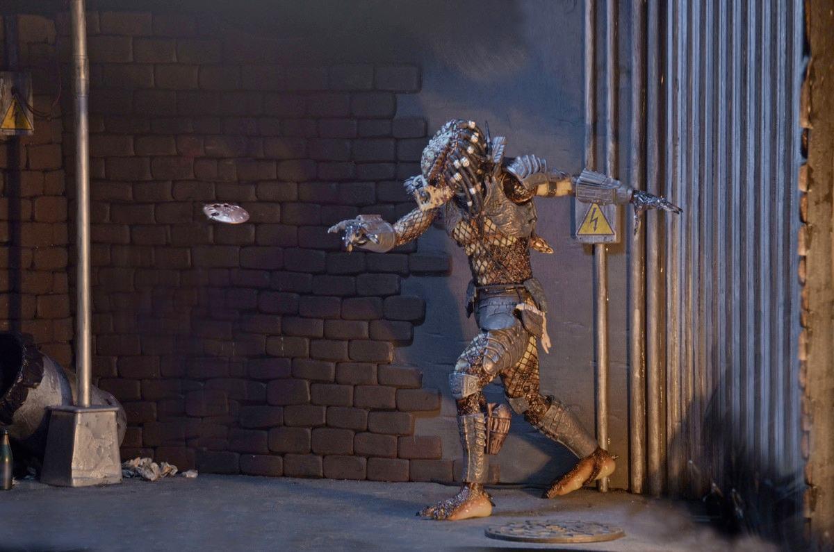 Action-Figure-Predator-Neca-Ultimate-City-Hunter-06