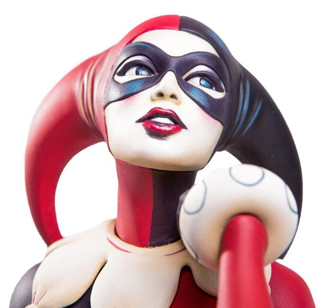 Estatua-Waiting-for-My-J-Man-Harley-Quinn-Statue-Mondo-02