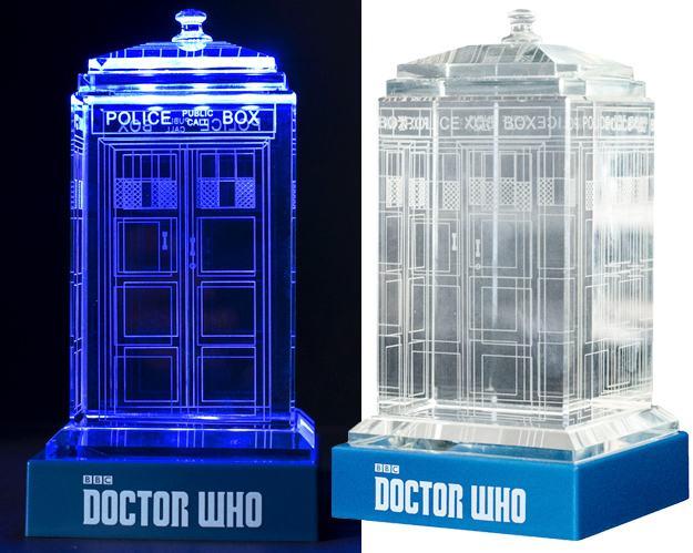 TARDIS-de-Cristal-Doctor-Who-Crystal-TARDIS-01