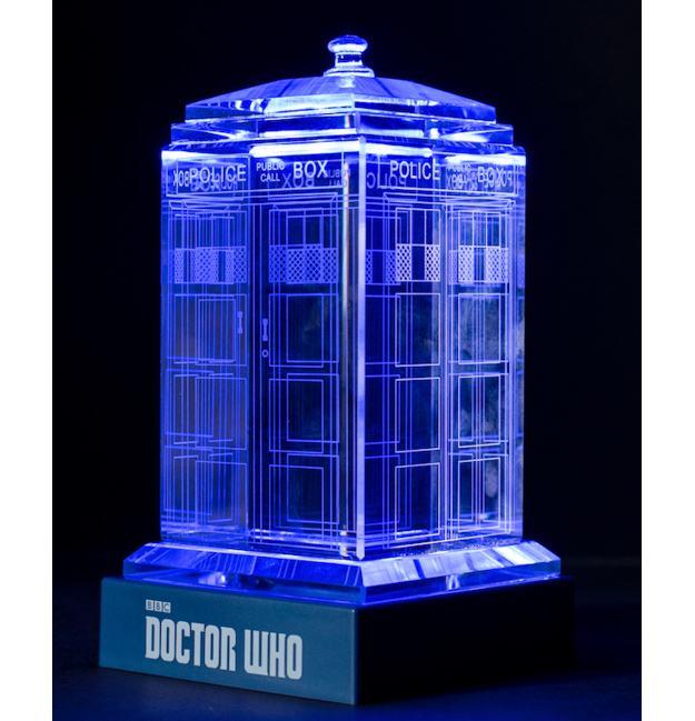TARDIS-de-Cristal-Doctor-Who-Crystal-TARDIS-02