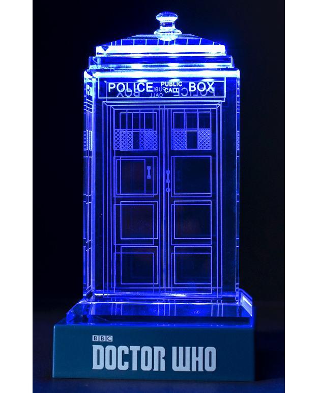 TARDIS-de-Cristal-Doctor-Who-Crystal-TARDIS-06