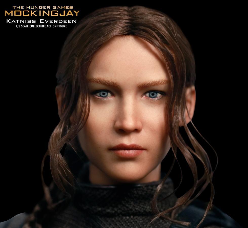 Katniss-Everdeen-Deluxe-Action-Figure-Star-Ace-02