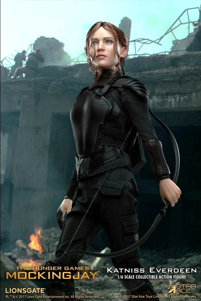 Katniss-Everdeen-Deluxe-Action-Figure-Star-Ace-08