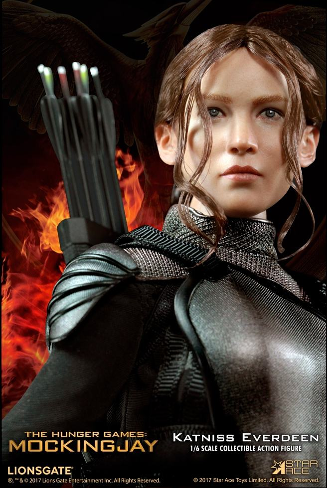 Katniss-Everdeen-Deluxe-Action-Figure-Star-Ace-09