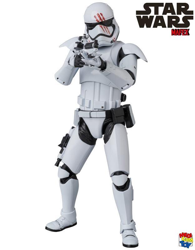 Stormtrooper-FN-2187-Finn-MAFEX-Action-Figure-04